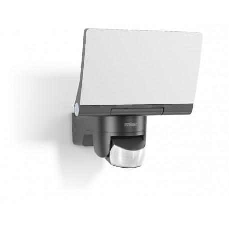 steinel xled home 2 led spotlight with a motion sensor. Black Bedroom Furniture Sets. Home Design Ideas