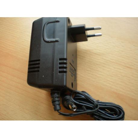 Batterieliminator nätagg 24v 100mA