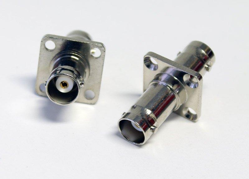 Adapter BNC-hona till BNC-hona för panelmontering